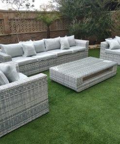 מערכת ישיבה לגינה שולחן כסאות וספה בגווני אפור