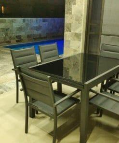 פינת אוכל לגינה שולחן עם כסאות