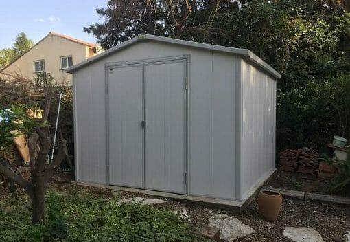 מחסן מובנה לגינה \ מרפסת